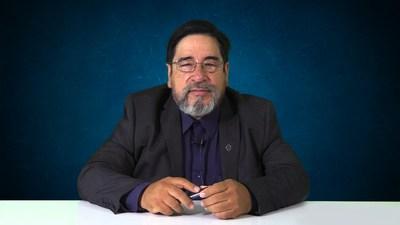 """El Dr. Héctor Espino Cortés, presidente de la Asociación Mexicana de Endoscopia Gastrointestinal (AMEG) en Ciudad de México, México, dice que la subvención de Olympus de equipos endoscópicos y apoyo económico a AMEG """"es sumamente beneficiosa para mejorar la educación y las prácticas de los médicos que ingresan al campo de la gastroenterología"""". (PRNewsfoto/Olympus Corporation of the Americas)"""